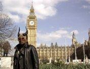 Mani at Parliament square - Art of Mani