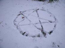 snow pentagram