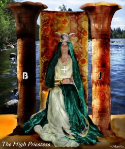 The High Priestess (c)ManiN2011-sm